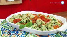 Malfatti de ricota, espinaca y queso con salsa de cherrys y albahaca Guacamole, Potato Salad, Pizza, Potatoes, Irene, Ethnic Recipes, Party Ideas, Food, Vegetarian