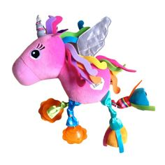 Luna la licorne est un hochet plein de surprises. Ses ailes sont scintillantes, ses sabots arrière émettent un bruit de papier froissé. Si l'enfant entrechoque les sabots avant, ils font le bruit d'un cheval au galop. Sa crinière et sa queue aux couleurs arc-en-ciel sont en feutrine toute douce. En manipulant ce hochet multicolore, l'enfant découvre toutes ces activités et développe ses sens. Très pratique, l'attache permet de l'accrocher partout.