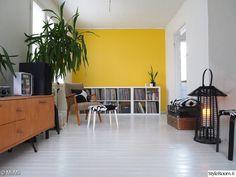 Olohuone - Sisustuskuvia jäseneltä MiiMii - StyleRoom Cabinet, Storage, Furniture, Home Decor, Clothes Stand, Purse Storage, Decoration Home, Room Decor, Closet
