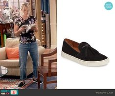 Penny's black slip on sneakers on The Big Bang Theory. Outfit Details: https://wornontv.net/81843/ #TheBigBangTheory