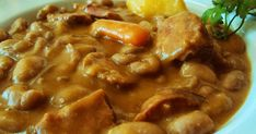 Receta tradicional de habichuelas pintas. Que no falten los guisos con sanas legumbres en nuestra dieta !! Chana Masala, Chorizo, Beef, Chicken, Cooking, Ethnic Recipes, Food, Gastronomia, Spanish Kitchen