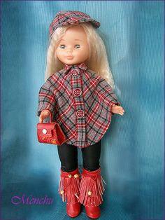 En el Pub        Oriental             Lejano Oeste          Abrigo capa American Doll Clothes, Girl Doll Clothes, Vestidos Nancy, Doll Shoe Patterns, Nancy Doll, Doll Making Tutorials, America Girl, Wellie Wishers, Tiny Dolls