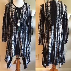Eric Tie die Dress Asymmetrical black and white tie die dress  Lightweight | Long sleeve | relaxed fit   Made in U.S.A   96% polyester  4% Lycra Classic Woman  Dresses Asymmetrical