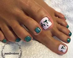 New vacation pedicure summer toe nail designs ideas Pretty Toe Nails, Cute Toe Nails, My Nails, Toe Nail Color, Toe Nail Art, Nail Colors, Acrylic Nails, Toenail Art Designs, Pedicure Designs