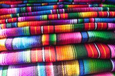Looking for the perfect Guatemalan souvenir? Every Thursday and Sunday, Chichicastenango hosts the biggest market in Guatemala. Located just a few hours outside of Antigua, it's perfect for souvenir shopping in Guatemala. Travel Around The World, Around The Worlds, Travel Souvenirs, Central America, Traveling By Yourself, Thursday, Figs, Sunday, Shopping
