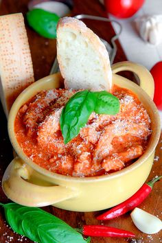 desire the tripe. If the sauce is going to be too thick, add some meat stock or hot water. 5 minutes before Tripe Recipes, Meat Recipes, Recipies, Dinner Recipes, Tripe Soup, Menudo Recipe, Italian Recipes, Italian Foods