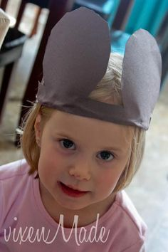 Doesn't everyone love Mickey Mouse?My kids do too and since my daughter is always the one bursting with ideas. She decided she wanted to make a Mickey Mouse craft. I decided on some fun ears that the kids could wear. Mickey Mouse Crafts, Mickey Mouse Ears, Dance Camp, Camping Crafts, Some Fun, To My Daughter, Crafts For Kids, Disney, Logan