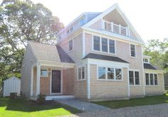 Built in 2015, this brand new home with central air-conditioning throughout is located in the Ellis Landing Beach section of East Brewster with a three-minute walk to a private, neighborhood beach.Pretty Picky Properties: 031-BR in Brewster, near Ellis Landing Beach