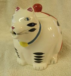 Black and White Kitty Cat Teapot - It's the cat's MEOW $20.00