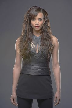 Hannah John-Kamen is one of the hottest women in, and she is a great actress and played the role of Ornela in Game of Thrones. Killjoys Tv Series, Killjoys Syfy, Wasp Movie, Hannah John Kamen, Space Fashion, Women's Fashion, Sci Fi Tv Series, Female Fighter, Gossip Girl