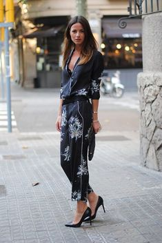 - Total Street Style Looks And Fashion Outfit Ideas Street Style Chic, Style Désinvolte Chic, Street Style Trends, Style Casual, Casual Chic, City Style, Fashion Moda, Fashion Week, Fashion Outfits