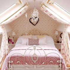 Attic bedroom | Victorian Yorkshire cottage | House tour | PHOTO GALLERY | country homes & interiors | Housetohome.co.uk