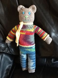 This little lady bear is now with a lovely little sweetie in South Africa. Made for the Spring Bear Contest Sent May 2012 Mother Bears, Knitting Toys, Knitted Animals, Crochet Bear, Fingerless Gloves, Arm Warmers, Crochet Patterns, Projects, Gifts
