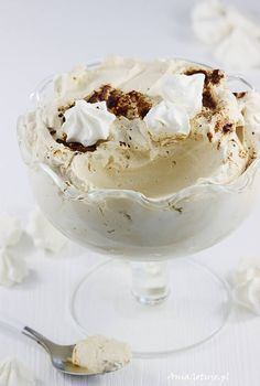 Cream with mascarpone and coffee. Healthy Dishes, Pavlova, Flan, Gluten Free Recipes, Mousse, Deserts, Good Food, Food And Drink, Ice Cream