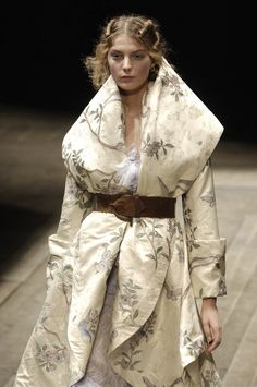 agameofclothes:  What Olenna Tyrell would wear, Alexander McQueen