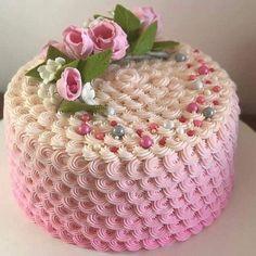 Buttercream Birthday Cake, White Birthday Cakes, Cake Icing, Cupcake Cakes, Cake Decorating For Beginners, Cake Decorating Techniques, Beautiful Cakes, Amazing Cakes, Bolo Diy