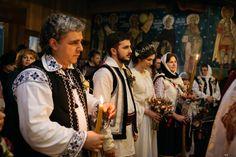 Cununia religioasă: Despre nași Romania, Nasa, Saree, Fashion, Sari, Moda, Fasion, Saris, Half Saree
