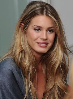 20 hair color trends for fall and winter 2019 highlights 18 - Couleur Cheveux 01 Beauté Blonde, Brown Blonde Hair, Blonde Honey, Medium Blonde Hair, Honey Hair, Bleach Blonde, Corte Y Color, Beautiful Hair Color, Beautiful Beautiful
