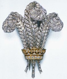 Duchess of Windsor diamond Prince of Wales plume brooch purchased at auction in 1987 by Elizabeth Taylor