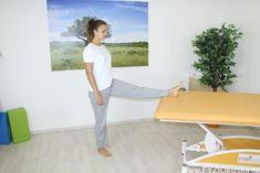 Cviky při bolestech beder a kříže Floor Chair, Yoga Fitness, Trx, Health, Sports, Furniture, Home Decor, Homemade Home Decor, Salud