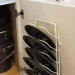 Хранение на кухне: 33 идеи для крышек и кастрюль-25 Shoe Rack, Interior Design, Home, Design Interiors, Home Interior Design, Shoe Cupboard, Interior Architecture, Ad Home, Homes