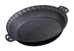With our true-seasoned cast iron pie pan, baking pies has never been so easy. The handles on each side make for easy lifting in and out of the oven. Cast iron creates even heat distribution, resulting in a perfect golden crust each time. Cast Iron Pizza Pan, Cast Iron Pot, Cast Iron Skillet, Cast Iron Cooking, Cast Iron Cookware, It Cast, Oven Cooking, Skillet Cooking, Skillet Recipes