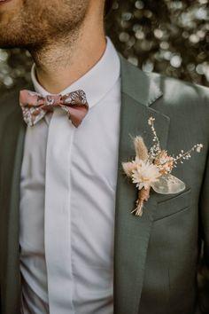 Olive Wedding, Wedding Groom, Wedding Men, Wedding Suits, Boho Wedding, Dream Wedding, Groom And Groomsmen Attire, Groom Outfit, Wedding Designs