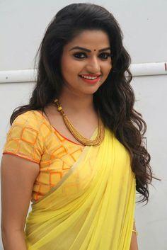 The Fresh Malayali: Serial Hottie Queen Nithya Ram - Nandini Serial Actress Hot Photo Gallery and Videos Beautiful Girl Indian, Most Beautiful Indian Actress, Beautiful Beautiful, Beautiful Saree, Beautiful People, Beautiful Bollywood Actress, Beautiful Actresses, Beauty Full Girl, Beauty Women