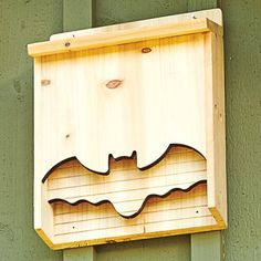 Provide cozy shelter for the mosquito-eating bats that fly around your outdoor space with this sturdy wooden house. The clever cutout design brings easygoing personality to your outdoor space. Build A Bat House, Bat House Plans, Outdoor Projects, Wood Projects, Woodworking Projects, Outdoor Decor, Woodworking Bench, Bat Box, Bird Boxes