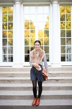 Vionic Nadelle Bootie, Black stripped blouse, faux fur scarf, brown leather satchel, uniqlo pleated scuba skirt, Uniqlo Chicago opening, fall fashion, halloween ideas