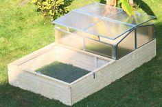 Frühbeet + Sandkasten als Außengehege für