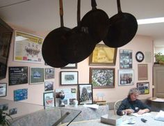 Das Cockpit für viele Belange des Hotel und des Restaurant ist oftmals für den Chef des Hauses der Stammtisch