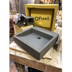 A very nice first casting of the Laurelhurst concrete sink in the color Graphite! Soon this will be the first concrete sink added to our Etsy store Fuel Concrete Garage (link in bio). Concrete Formwork, Concrete Garages, Concrete Table, Concrete Furniture, Concrete Art, Concrete Design, Concrete Countertops, Outdoor Sinks, Diy Outdoor Kitchen