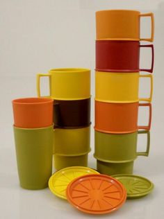 Tupperware stapelbekers.