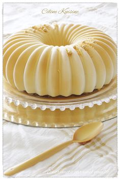 Caramel desserts with salted butter and vanilla cake wedding cake kindergeburtstag ohne backen rezepte schneller cake cake Easy Vanilla Cake Recipe, Easy Cake Recipes, Dessert Recipes, Salted Butter, Entremet Caramel, Bolo Musical, Entremet Recipe, Patisserie Fine, Dessert