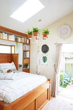 You won't believe this gorgeous house is only 362 square feet!  Decor inspiration