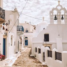 Greece summer Greece, Mansions, House Styles, Summer, Greece Country, Summer Time, Villas, Summer Recipes, Palaces
