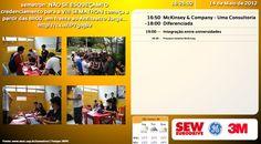 """Captura de tela de sistema de comunicação em tempo real no evento Sematron na Universidade de São Paulo em São Carlos —evento organizado pelo curso de mecatrônica e contribuidores. A versão dos painéis chamados """"telas sematron"""" que trouxeram informações para o evento em tempo-real como imagens do Flickr que eram atualizadas automaticamente. O componente do tempo foi integrado com o CPTEC-INPE."""