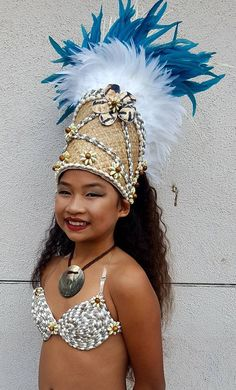 Tahitian And Cook Islands Headpiece. Feather Crown, Feather Headpiece, Hula Dancers, Belly Dancers, Carnival Costumes, Dance Costumes, Tahitian Costumes, Tahitian Dance, Polynesian Dance