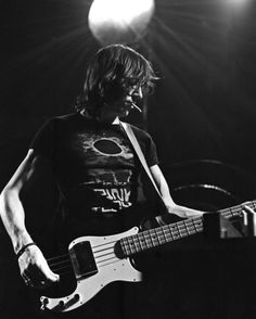 Roger Waters' arms get the best of me.