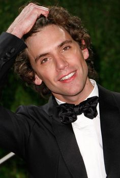 Mika Pictures - Vanity Fair Oscar Party Hosted By Graydon Carter - Arrivals - Zimbio Mika Singer, Pretty People, Beautiful People, Graydon Carter, Village People, Roy Orbison, Charming Man, Vanity Fair Oscar Party, Hollywood