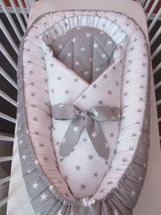 Nest + for + baby + wrap + gray + stars + dimensions: + wrap + - . Quilt Baby, Baby Boy Bedding, Baby Swaddle Blankets, Baby Pillows, Baby Nest Pattern, Father And Baby, Diy Bebe, Baby Sewing Projects, Baby Cover