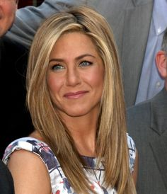 Jennifer Aniston is finally revealing to the world the secret to her beautiful hair. Read more about The Living Proof for Jennifer Aniston's Beautiful Hair Over 40 Hairstyles, Celebrity Hairstyles, Pretty Hairstyles, Straight Hairstyles, Braided Hairstyles, Wedding Hairstyles, Hairstyles 2018, Blonde Hairstyles, Long Haircuts