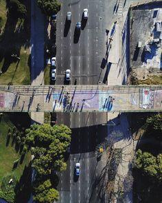 Puentes que unen puentes que separan