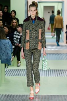 Prada - Fall 2015 Ready-to-Wear - Look 7 of 42