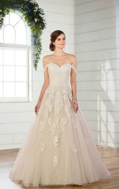Essense Bridal Collection Sophisticated and glamorous in all the right ways, you'll look like a dream in this lace ballgown wedding dress from Essense of Australia. Puffy Prom Dresses, Strapless Prom Dresses, Bridal Dresses, Bridesmaid Dresses, Maxi Dresses, Nina Dobrev, Designer Wedding Dresses, Wedding Gowns, Tulle Wedding
