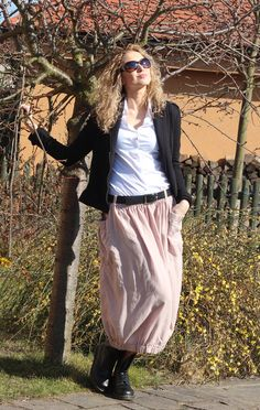 Dlouhá balónová sukně Sequin Skirt, Sequins, Skirts, Fashion, Moda, Fashion Styles, Skirt, Fashion Illustrations