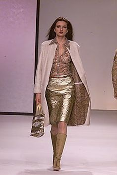 Valentino Fall 2000 Ready-to-Wear Collection Photos - Vogue