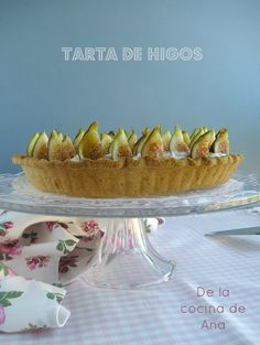 Tarta de Higos Frescos y Crema de Mascarpone Flan, Fresco, Serving Bowls, Cakes, Tableware, Desserts, Fig Tart, Crack Cake, Pastries