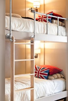 love this take on bunk beds